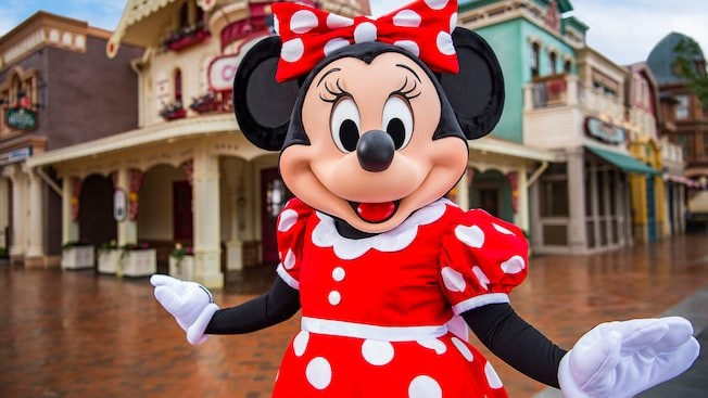 Mickey Avenue - Minnie Mouse and Friends.jpg